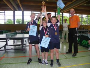 Flori, Jakob und Marvin in Siegerpose