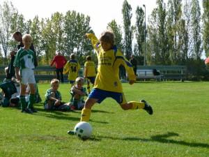 Debütant Lennart beim obligatorischen 9m-Schießen nach dem Spiel