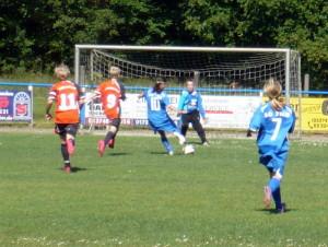 Pias (10) Chance, rechts Pauline (7)