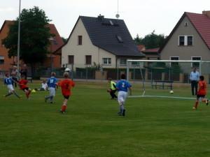 Jakobs wunderschönes Tor, Mitte Walter (10), rechts Lorenz (2)