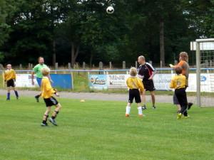 Tino, Lars und Holger gegen 4 -Biene Majas-, zum Schluss gegen mehrere -Willis-