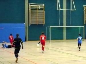 Yannick (14) spielt im Fallen zu Julian (7), gleich stehts 1:0 gegen Lehnin