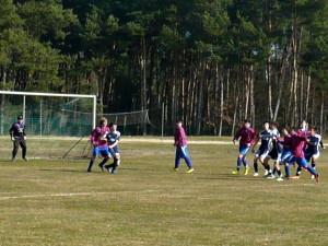 Kampf um jeden Ball v.li. Jerremy (Tor), Jannes, Axel, Luca, Tino, Ramzi, Til (verd.)