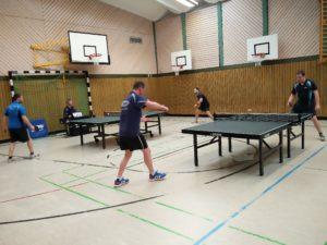 Tisch 1:  Jens Trompke gegen die Nummer 1  / Tisch 2: Marcel Schwanitz gegen die Nummer 2